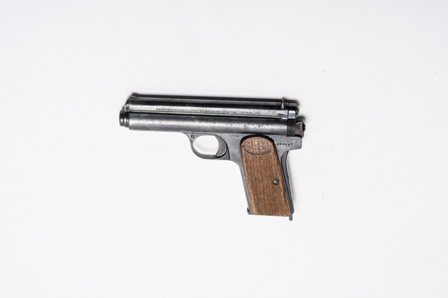 Pistole FEG Frommer Stop