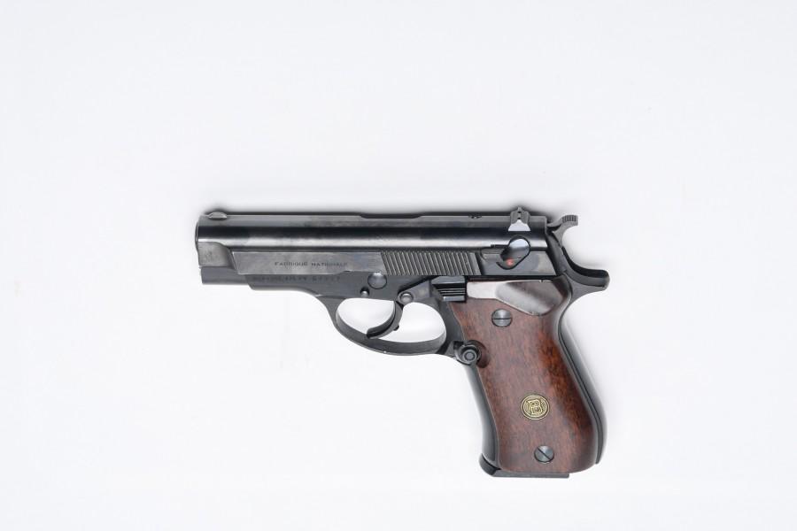 Pistole FN DA140 / Beretta BDA380